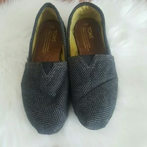 TOMS womens gray fabric slip on shoes size 7.5